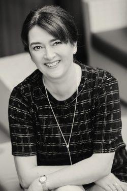 Toni Anderson Author Photo